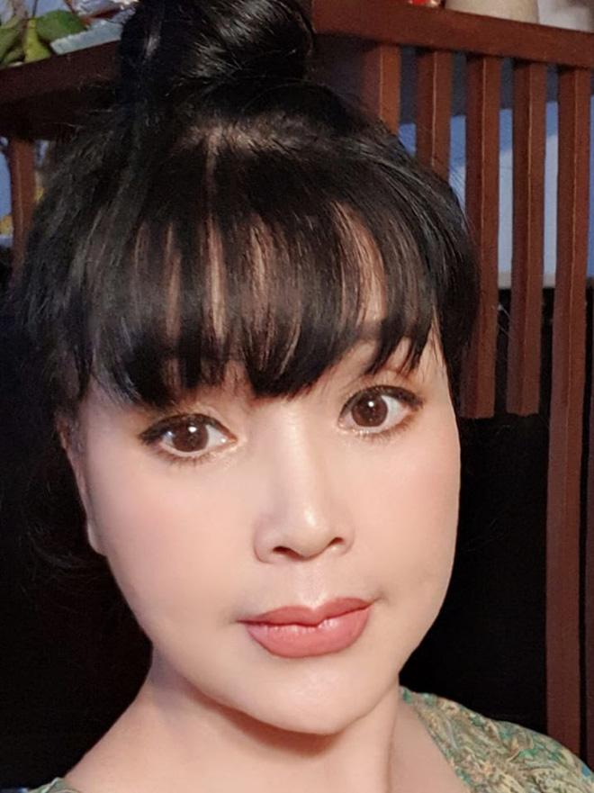 Xuất hiện với gương mặt đơ cứng, NSND Lan Hương thừa nhận can thiệp phẫu thuật thẩm mỹ-5