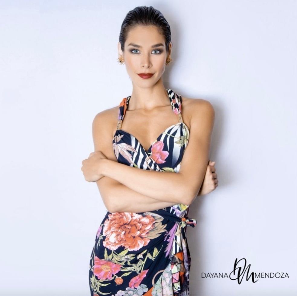 Bản tin Hoa hậu Hoàn vũ 11/11: HHen Niê họa mặt đẹp ngỡ ngàng, chặt chém Hoàng Thùy lẫn Lệ Hằng-7