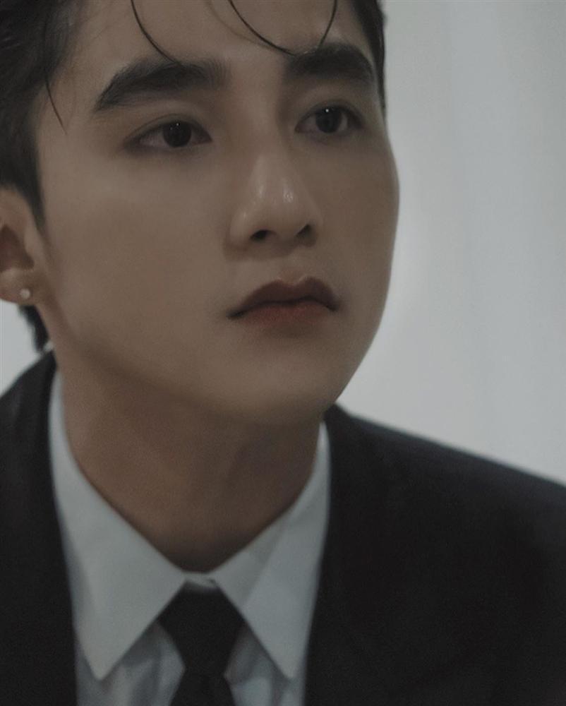 Gương mặt Sơn Tùng M-TP xuất sắc tới cỡ nào mà lọt top 100 chàng trai đẹp nhất Châu Á?-2