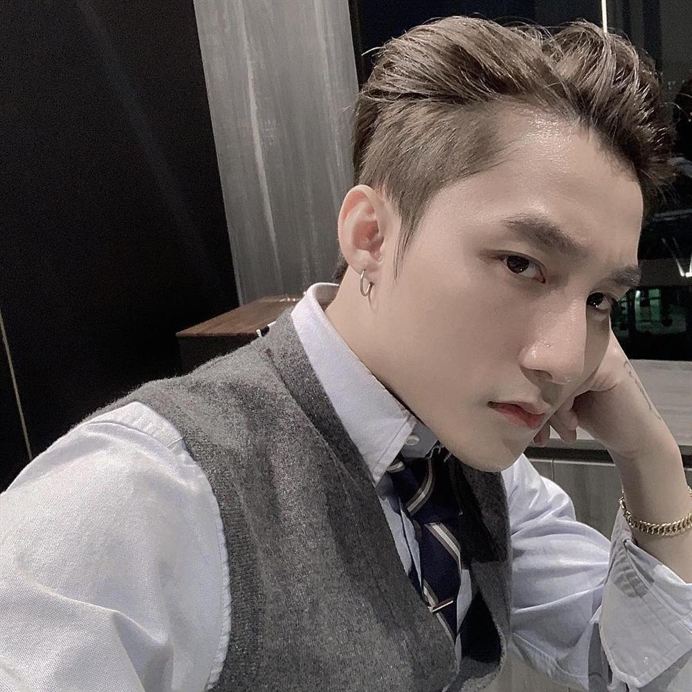 Gương mặt Sơn Tùng M-TP xuất sắc tới cỡ nào mà lọt top 100 chàng trai đẹp nhất Châu Á?-6