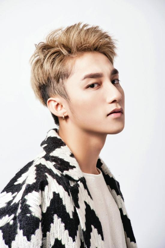 Gương mặt Sơn Tùng M-TP xuất sắc tới cỡ nào mà lọt top 100 chàng trai đẹp nhất Châu Á?-9