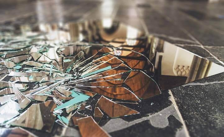 6 món đồ bạn nên vứt đi ngay, giữ lại trong nhà sẽ gặp họa lúc nào không hay-1