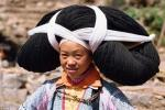 Phụ nữ Miao độc đáo trong bộ tóc nặng hàng kg của tổ tiên truyền lại
