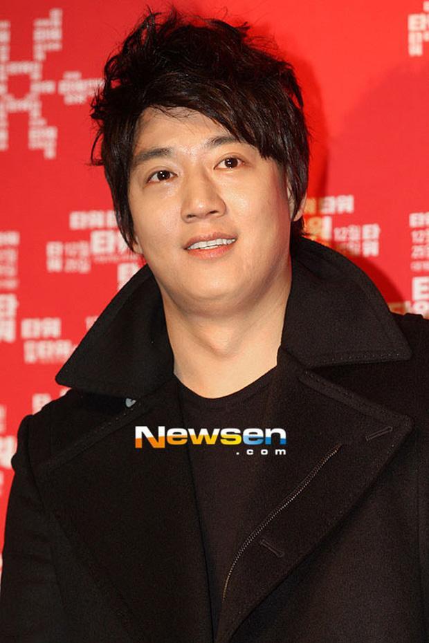 Những mỹ nam Hàn phát tướng, tóc dài thượt khiến người hâm mộ hết hồn-10