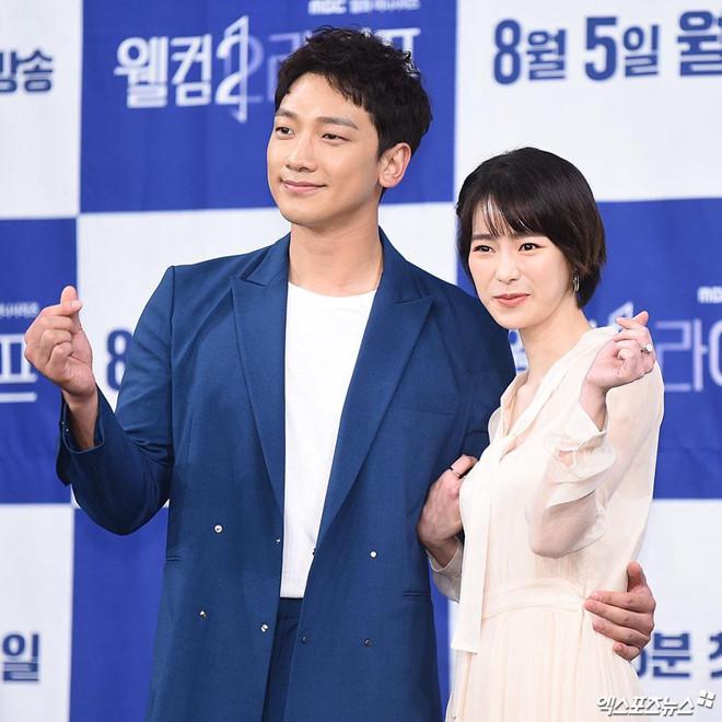 Phản ứng của Kim Tae Hee khi chồng đóng cùng nữ hoàng cảnh nóng-2
