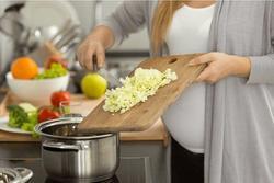 4 sai lầm khi dùng bếp điện nấu ăn, thổi tiền điện tăng gấp đôi, bếp vừa mua đã hỏng