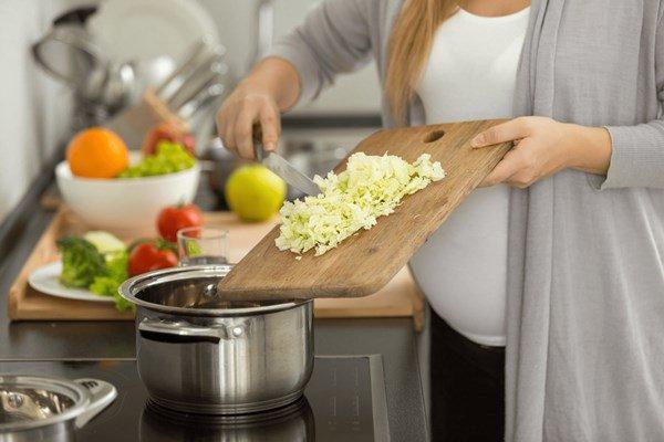 4 sai lầm khi dùng bếp điện nấu ăn, thổi tiền điện tăng gấp đôi, bếp vừa mua đã hỏng-1