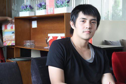 Phong cách thời trang của Ông Cao Thắng ít thay đổi sau 10 năm-3