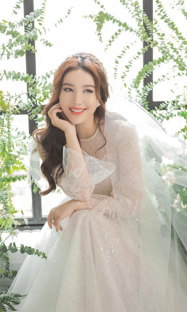 Bảo Thy tung ảnh cưới đẹp ngất ngây, mặc thiết kế cô dâu tương tự Công nương Kate Middleton-2