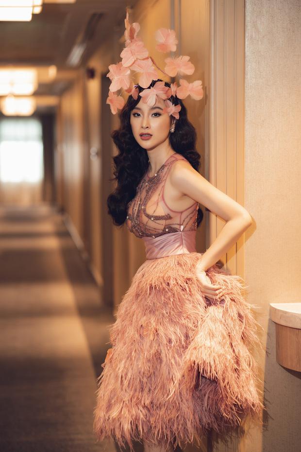 Tái xuất Vbiz, Angela Phương Trinh chơi lớn đội cả rừng hoa nhưng lộ miếng dán ngực lù lù-5