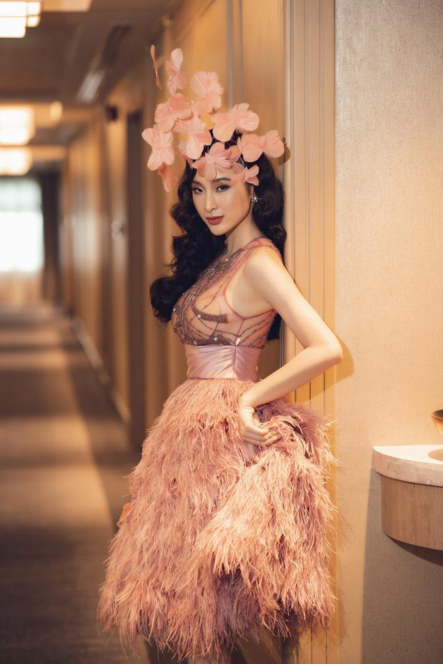 Tái xuất Vbiz, Angela Phương Trinh chơi lớn đội cả rừng hoa nhưng lộ miếng dán ngực lù lù-6