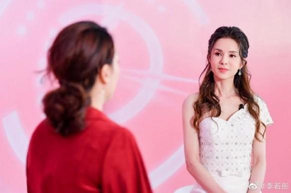 Tiểu long nữ Lý Nhược Đồng gây sốt với sắc vóc nữ thần ở tuổi U50-3