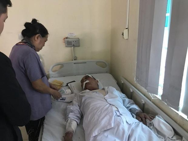 Cụ ông 80 tuổi bị gã xe ôm đánh nhập viện: Nhà tôi chỉ có 2 ông bà ở với nhau, tôi có ra tranh giành khách gì đâu mà đánh tôi dã man quá-2