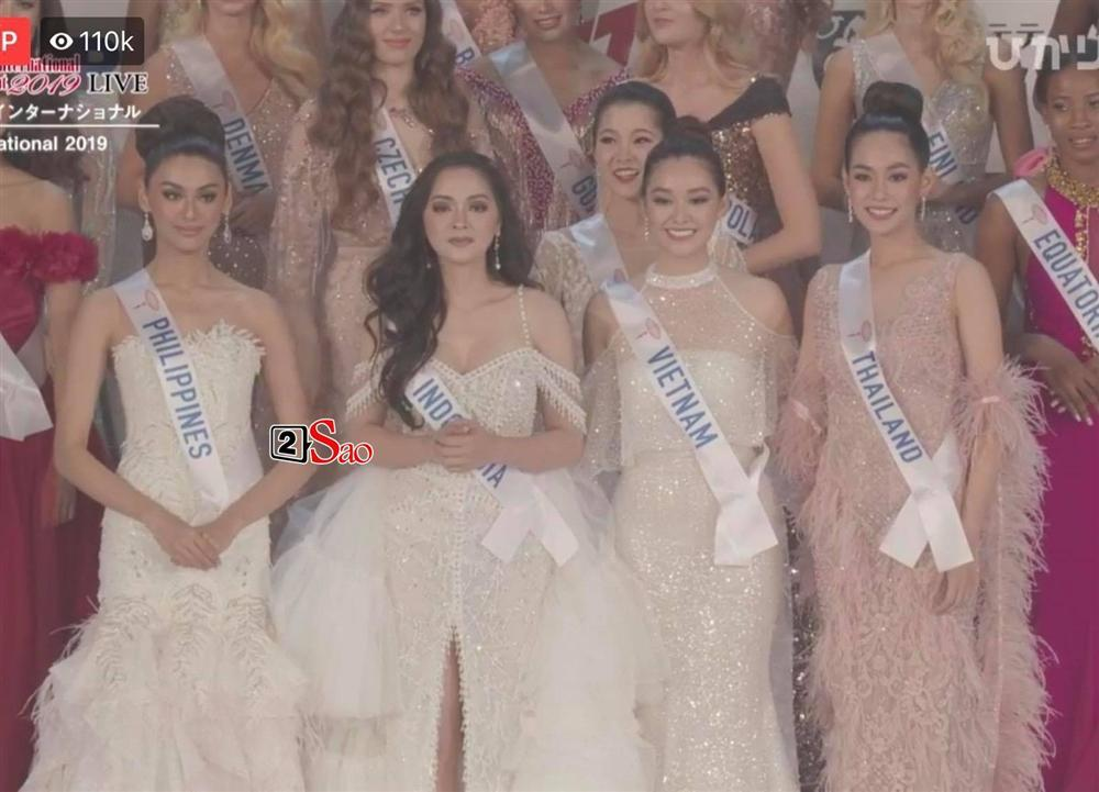 BỨC ẢNH HẾT HỒN: Tường San - Lâm Khánh Chi - Như Quỳnh lập team đi thi Miss International 2019?-2