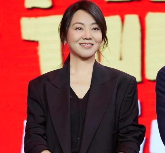 Fan phát hoảng, phản đối khi hay tin Vương Nhất Bác cùng bạn diễn 48 tuổi tạo nên mối tình chị em trong phim mới-5