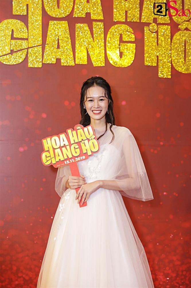 Thanh Hằng tái ngộ Hà Tăng trên thảm đỏ ra mắt phim đầu tay của Lương Mạnh Hải và Minh Tú-11