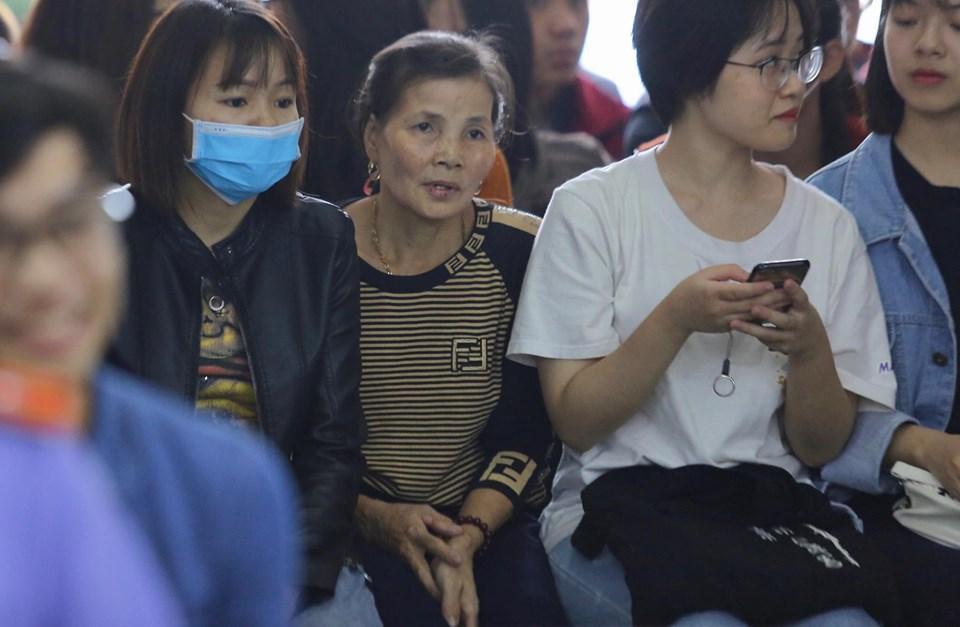 Hàng trăm đàn em giang hồ đến tòa theo dõi phiên xét xử Khá Bảnh-5