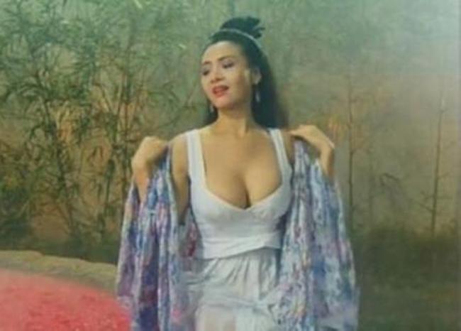 Nữ thần phim 18+ là người tình màn ảnh bốc lửa nhất của Châu Tinh Trì giờ ra sao?-3