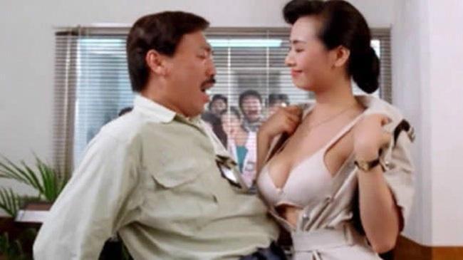 Nữ thần phim 18+ là người tình màn ảnh bốc lửa nhất của Châu Tinh Trì giờ ra sao?-9