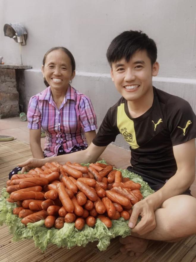 Sau Ẩm thực mẹ làm, bà Tân Vlog tiếp tục bị soi làm clip giống kênh nấu ăn nổi tiếng của Trung Quốc-1
