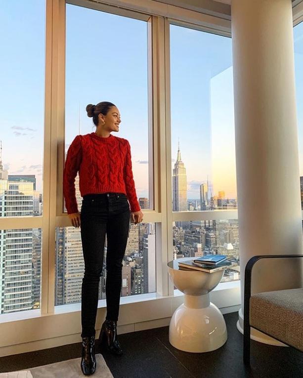 Bản tin Hoa hậu Hoàn vũ 13/11: HHen Niê mix đồ thổ cẩm cao tay, giật ngay spotlight của dàn mỹ nữ-8