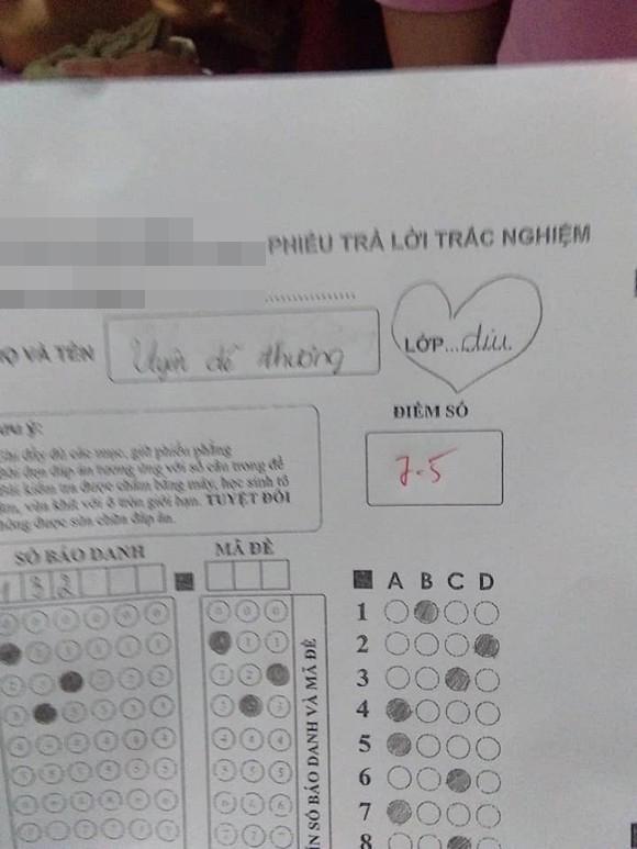 Dám thả thính thầy giáo trong bài kiểm tra để gây ấn tượng, nữ sinh bị trừ luôn 5 điểm-1