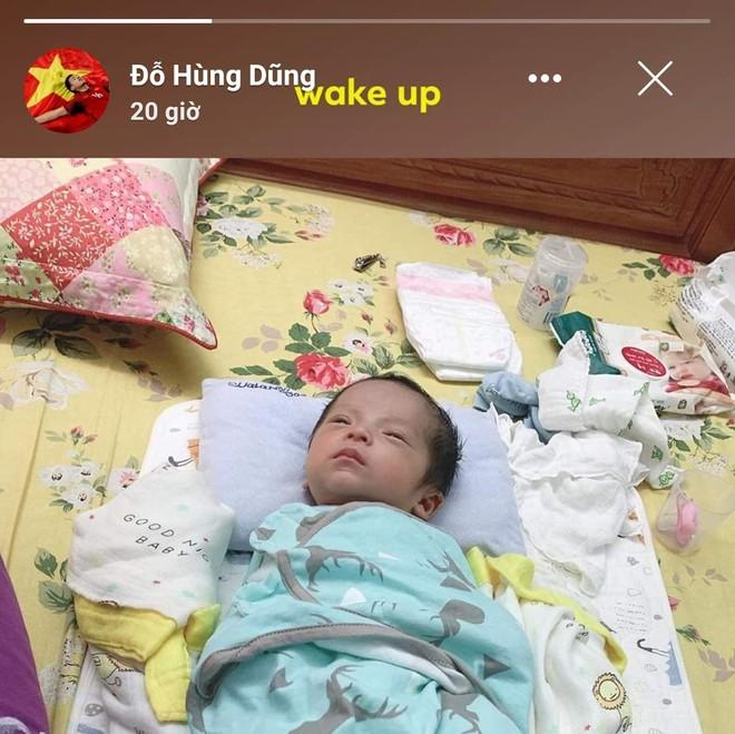 Hội bố bỉm sữa tuyển Việt Nam lấy vợ con làm động lực trước trận UAE-4