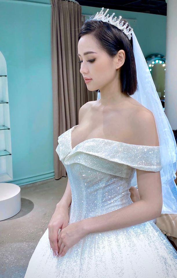 Chả đợi đến 10 năm, Tâm Tít khoe luôn mặc váy cưới lần 2 làm ai cũng hóng chú rể lộ diện-3