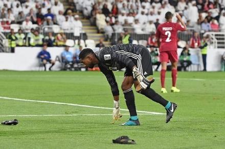 Fan Việt mong UAE thua đậm, chờ màn ném dây chuyền vàng ở Mỹ Đình