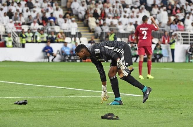 Fan Việt mong UAE thua đậm, chờ màn ném dây chuyền vàng ở Mỹ Đình-1