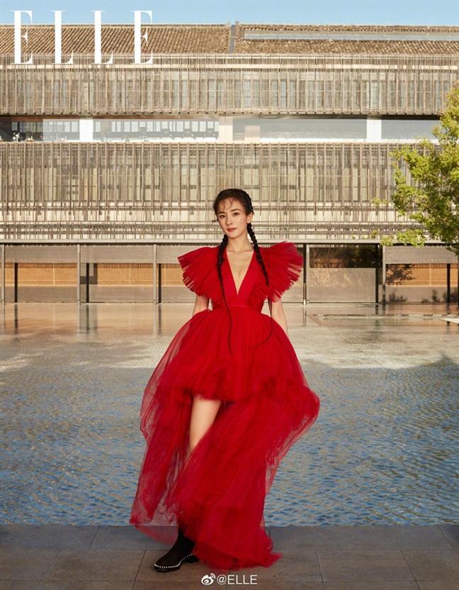 Một chiếc váy có tới chục lần đụng hàng từ Á đến Âu: Người mặc đẹp nhất không ai qua nổi Hương Giang-15