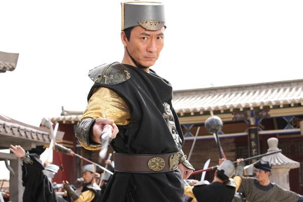 Người đàn ông vàng của làng phim cổ trang Hoa ngữ là ai?-2