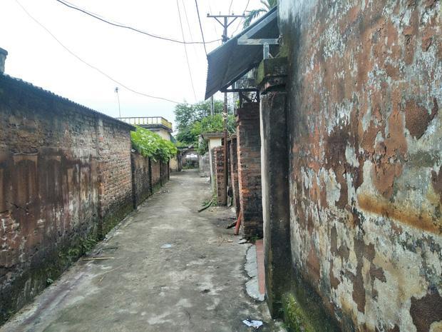 Vụ chồng giết vợ rồi quấn chăn đốt xác ngay trong nhà ở Thái Bình: Ông bà vừa ra khỏi nhà, nó liền khóa cửa và làm điều ác-1