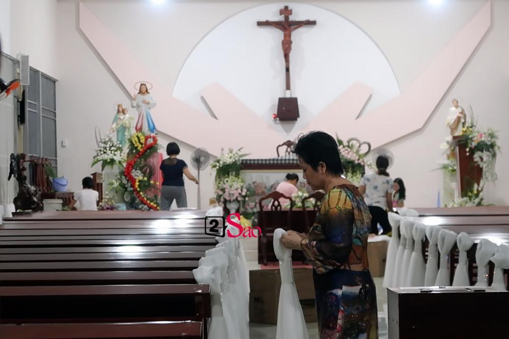 HOT: Bố mẹ Bảo Thy tận tay trang trí biệt thự, nhà thờ cho con gái rượu trước lễ thành hôn-6