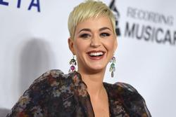 Katy Perry cảm thấy như thế nào về việc mất hút khỏi các bảng xếp hạng khi comeback?