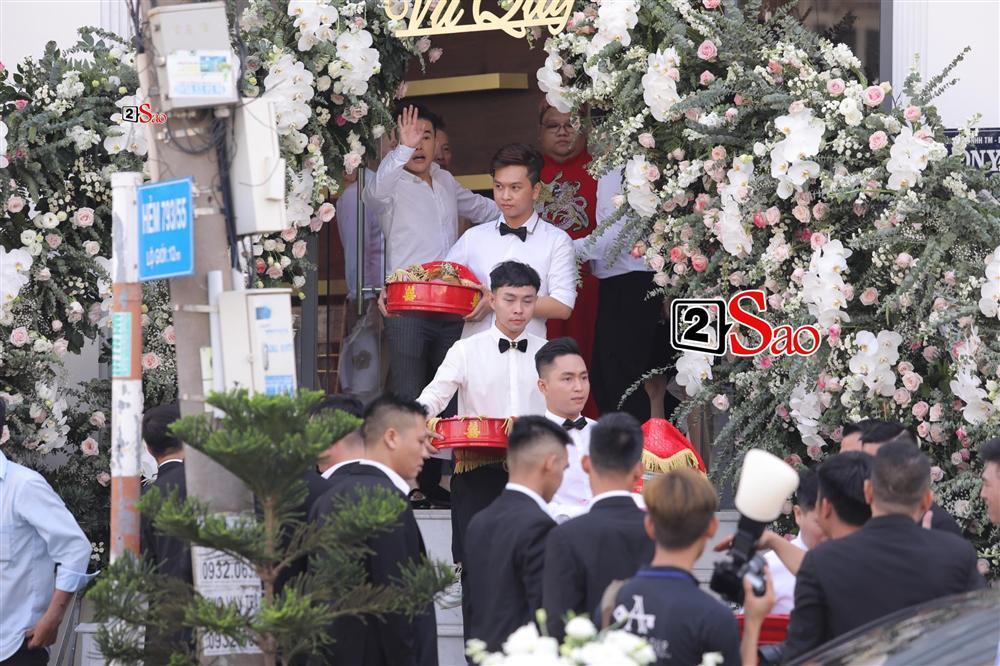 Điểm lạ trong lễ cưới Bảo Thy: Cô dâu chú rể không chung bước, liên tục người đi trước - kẻ bước sau-9