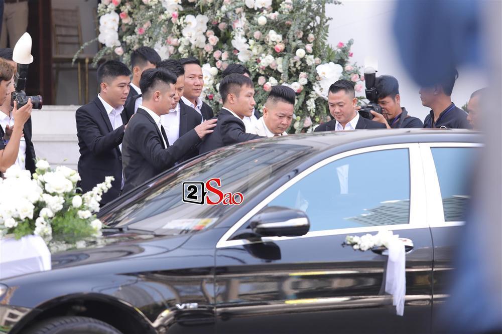 Điểm lạ trong lễ cưới Bảo Thy: Cô dâu chú rể không chung bước, liên tục người đi trước - kẻ bước sau-12