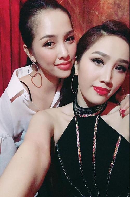 Đám cưới em gái, gia đình anh trai ca sĩ Bảo Thy lại giật hết spotlight bởi ngoại hình cả nhà đều đẹp-4