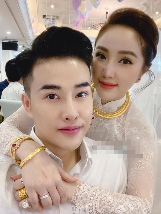 Mỹ nhân Việt lấy chồng vàng trĩu cổ kim cương nặng tay, xịn xò nhất vẫn không ai qua nổi Đông Nhi-1