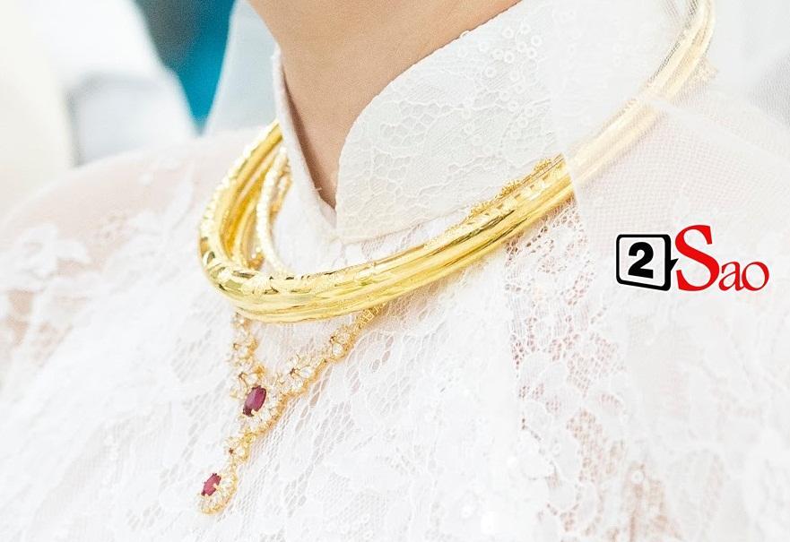 Mỹ nhân Việt lấy chồng vàng trĩu cổ kim cương nặng tay, xịn xò nhất vẫn không ai qua nổi Đông Nhi-2