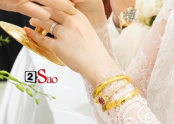 Đếm sương sương số vàng bạc, kim cương mà Bảo Thy và chồng đại gia đắp lên người ngày cưới cũng gần 20 món-7
