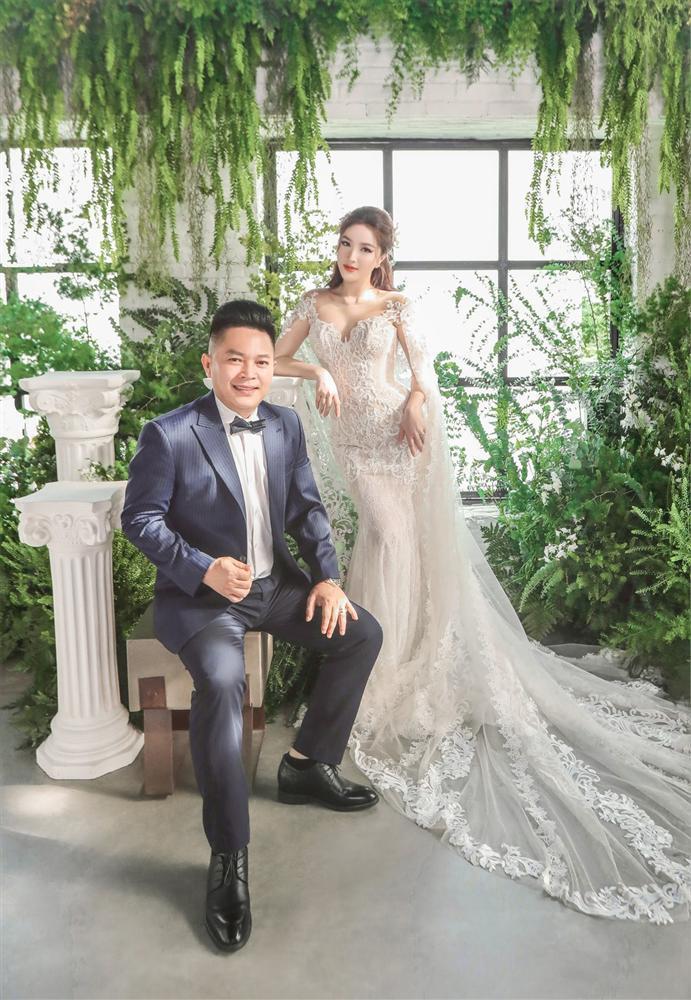 Đếm sương sương số vàng bạc, kim cương mà Bảo Thy và chồng đại gia đắp lên người ngày cưới cũng gần 20 món-10