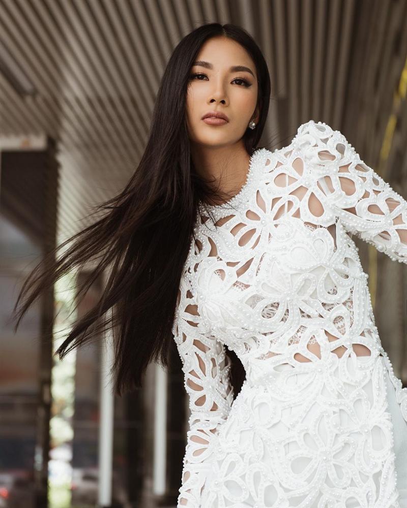 Bản tin Hoa hậu Hoàn vũ 15/11: Diễm Hương trầm trồ khi nhìn ngắm HHen Niê-3