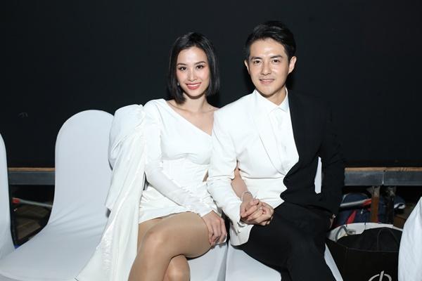 Vợ chồng Đông Nhi - Ông Cao Thắng tất bật chạy show sau đám cưới-3