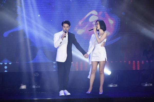 Vợ chồng Đông Nhi - Ông Cao Thắng tất bật chạy show sau đám cưới-5