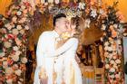 Streamer cưới vợ hot girl kém 13 tuổi: 'Mình không muốn chơi bời nữa'