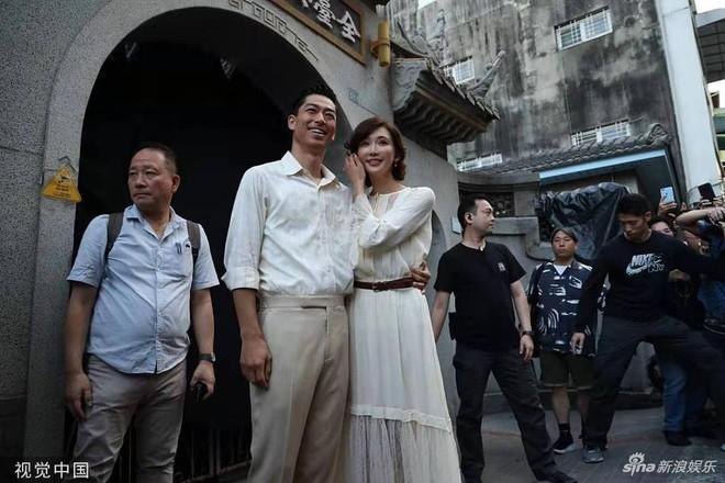 Lâm Chí Linh luyện tập cho hôn lễ cùng váy cưới-7