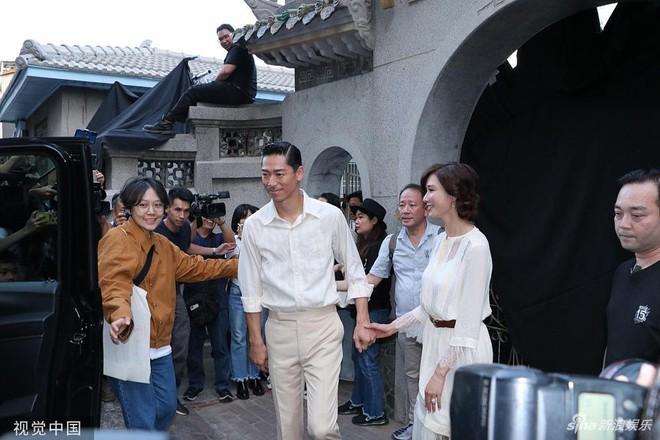 Lâm Chí Linh luyện tập cho hôn lễ cùng váy cưới-8