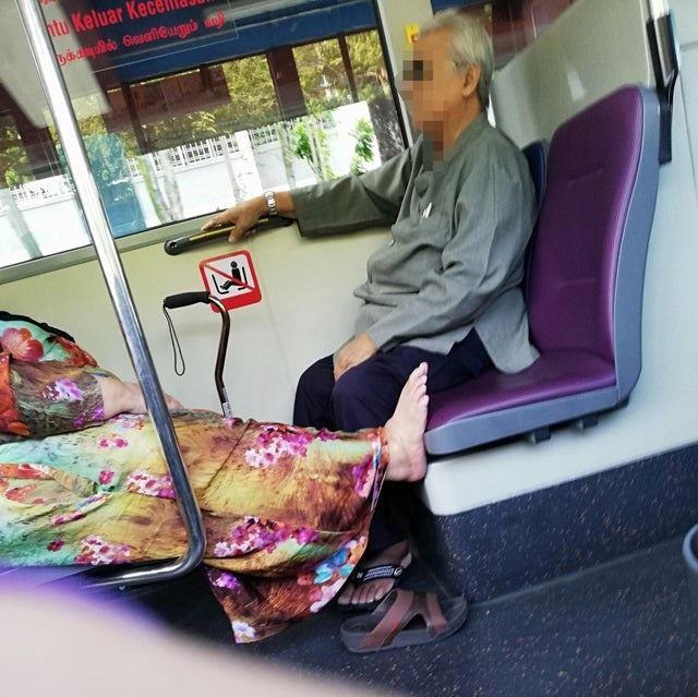 Ngủ đặt chân lên ghế nhưng người đàn ông lại được dân mạng bênh vực-3