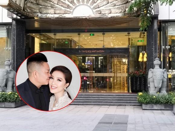 Siết chặt an ninh trong hôn lễ nhưng cô dâu Bảo Thy lại thoải mái khoe phòng cưới bên trong khách sạn 6 sao sang chảnh-1